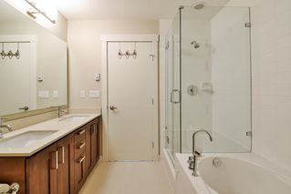 "Photo 16: 67 2603 162 Street in Surrey: Grandview Surrey Townhouse for sale in ""Vinterra"" (South Surrey White Rock)  : MLS®# R2348771"