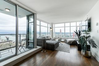 """Photo 3: 1502 188 AGNES Street in New Westminster: Downtown NW Condo for sale in """"ELLIOT STREET"""" : MLS®# R2354201"""