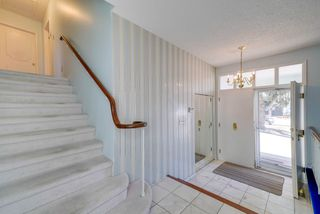 Photo 2: 32 VALLEYVIEW Crescent in Edmonton: Zone 10 House for sale : MLS®# E4150307