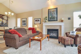 "Photo 2: 88 9025 216 Street in Langley: Walnut Grove Townhouse for sale in ""Coventry Woods"" : MLS®# R2356730"