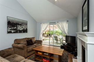 """Photo 2: 121 9045 WALNUT GROVE Drive in Langley: Walnut Grove Townhouse for sale in """"Bridlewoods"""" : MLS®# R2363597"""