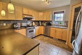 Photo 3: 1624 KERR Road in Edmonton: Zone 27 House for sale : MLS®# E4154339