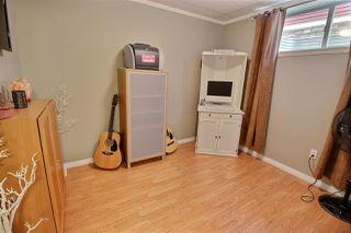 Photo 13: 1624 KERR Road in Edmonton: Zone 27 House for sale : MLS®# E4154339