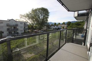 "Photo 3: 302 2212 OXFORD Street in Vancouver: Hastings Condo for sale in ""City View Place"" (Vancouver East)  : MLS®# R2370060"