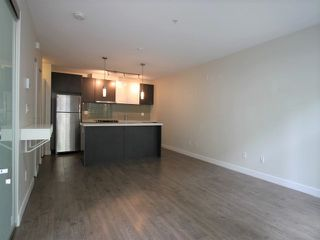 Photo 3: 203 618 LANGSIDE Avenue in Coquitlam: Coquitlam West Townhouse for sale : MLS®# R2374230