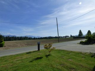 Photo 4: 48055 KITCHEN HALL Road in Chilliwack: Fairfield Island House for sale : MLS®# R2376304