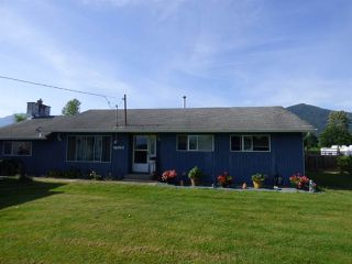 Photo 1: 48055 KITCHEN HALL Road in Chilliwack: Fairfield Island House for sale : MLS®# R2376304