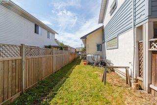 Photo 20: 209 Henry St in VICTORIA: VW Victoria West Half Duplex for sale (Victoria West)  : MLS®# 817235