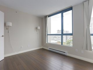 """Photo 9: 1001 55 TENTH Street in New Westminster: Downtown NW Condo for sale in """"WESTMINSTER TOWERS"""" : MLS®# R2380852"""