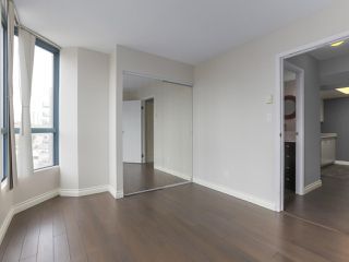 """Photo 10: 1001 55 TENTH Street in New Westminster: Downtown NW Condo for sale in """"WESTMINSTER TOWERS"""" : MLS®# R2380852"""