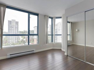 """Photo 8: 1001 55 TENTH Street in New Westminster: Downtown NW Condo for sale in """"WESTMINSTER TOWERS"""" : MLS®# R2380852"""