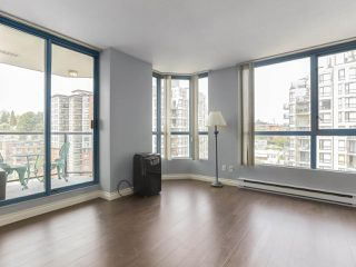 """Photo 2: 1001 55 TENTH Street in New Westminster: Downtown NW Condo for sale in """"WESTMINSTER TOWERS"""" : MLS®# R2380852"""