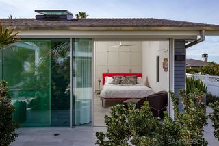Photo 9: LA JOLLA House for sale : 3 bedrooms : 5681 Dolphin Place