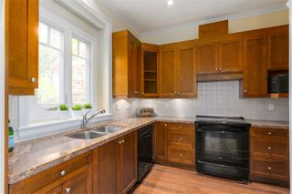Photo 6: 2720 YUKON Street in Vancouver: Mount Pleasant VW 1/2 Duplex for sale (Vancouver West)  : MLS®# R2383340