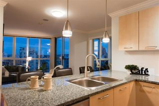"Photo 10: 2506 1155 SEYMOUR Street in Vancouver: Downtown VW Condo for sale in ""Brava"" (Vancouver West)  : MLS®# R2387101"