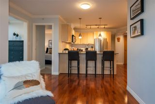 "Photo 9: 2506 1155 SEYMOUR Street in Vancouver: Downtown VW Condo for sale in ""Brava"" (Vancouver West)  : MLS®# R2387101"
