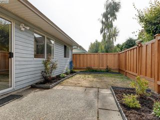 Photo 19: 11 515 Mount View Avenue in VICTORIA: Co Hatley Park Row/Townhouse for sale (Colwood)  : MLS®# 415754