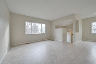 Photo 4: 2010 53 Street in Edmonton: Zone 29 House for sale : MLS®# E4178704