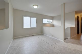 Photo 5: 2010 53 Street in Edmonton: Zone 29 House for sale : MLS®# E4178704