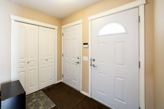 Photo 3: 18204 103 Street in Edmonton: Zone 27 House for sale : MLS®# E4188572