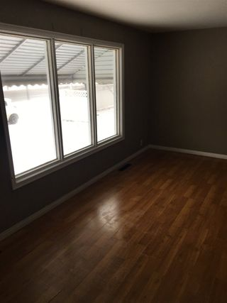 Photo 2: 9406 75 Street in Edmonton: Zone 18 House for sale : MLS®# E4200830