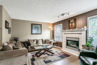 Photo 11: 26 SILVERGROVE Close NW in Calgary: Silver Springs Row/Townhouse for sale : MLS®# C4301182