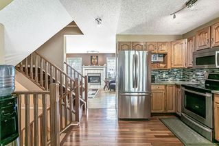 Photo 16: 26 SILVERGROVE Close NW in Calgary: Silver Springs Row/Townhouse for sale : MLS®# C4301182