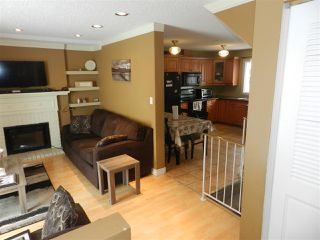 Photo 2: 1106 LAKEWOOD Road N in Edmonton: Zone 29 Townhouse for sale : MLS®# E4210534