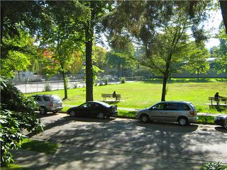 "Photo 1: 201 1685 W 14TH Avenue in Vancouver: Fairview VW Condo for sale in ""Town Villa"" (Vancouver West)  : MLS®# V917233"