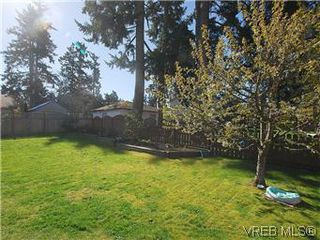 Photo 16: 709 Kelly Rd in VICTORIA: Co Hatley Park Single Family Detached for sale (Colwood)  : MLS®# 570145