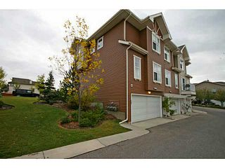 Photo 2: 786 TUSCANY Drive NW in CALGARY: Tuscany Townhouse for sale (Calgary)  : MLS®# C3587032