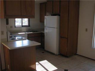 Photo 5: CLAIREMONT Home for sale or rent : 2 bedrooms : 4415 Clairemont #3 in San Diego