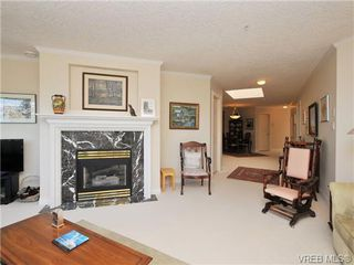 Photo 4: 503 940 Boulderwood Rise in VICTORIA: SE Broadmead Condo Apartment for sale (Saanich East)  : MLS®# 689065