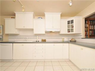 Photo 10: 503 940 Boulderwood Rise in VICTORIA: SE Broadmead Condo Apartment for sale (Saanich East)  : MLS®# 689065