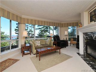 Photo 3: 503 940 Boulderwood Rise in VICTORIA: SE Broadmead Condo Apartment for sale (Saanich East)  : MLS®# 689065