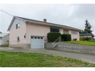 Photo 2: 515 Broadway St in VICTORIA: SW Glanford Single Family Detached for sale (Saanich West)  : MLS®# 712844