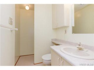 Photo 12: 515 Broadway St in VICTORIA: SW Glanford Single Family Detached for sale (Saanich West)  : MLS®# 712844