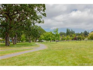 Photo 16: 515 Broadway St in VICTORIA: SW Glanford Single Family Detached for sale (Saanich West)  : MLS®# 712844