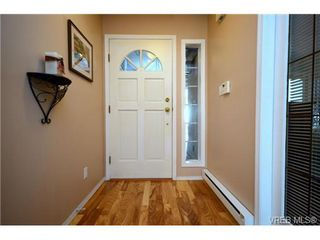 Photo 3: 42 901 Kentwood Lane in VICTORIA: SE Broadmead Townhouse for sale (Saanich East)  : MLS®# 363021