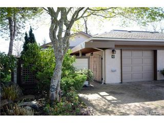 Photo 1: 42 901 Kentwood Lane in VICTORIA: SE Broadmead Townhouse for sale (Saanich East)  : MLS®# 363021