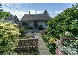 Photo 1: 2114 NINTH Avenue in New Westminster: Connaught Heights House for sale : MLS®# R2060071