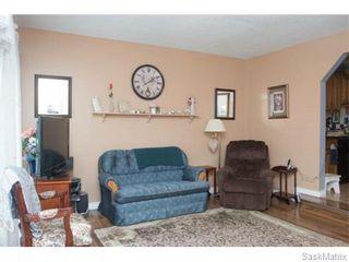 Photo 7: 50 Matheson Place in Saskatoon: Massey Place Single Family Dwelling for sale (Saskatoon Area 05)  : MLS®# 570437