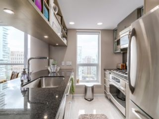 "Photo 4: 2003 833 SEYMOUR Street in Vancouver: Downtown VW Condo for sale in ""CAPITAL RESIDENCES"" (Vancouver West)  : MLS®# R2087892"
