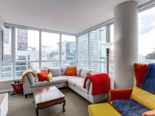 "Photo 2: 2003 833 SEYMOUR Street in Vancouver: Downtown VW Condo for sale in ""CAPITAL RESIDENCES"" (Vancouver West)  : MLS®# R2087892"