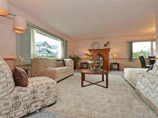 Photo 2: 1550 Pearl St in VICTORIA: Vi Hillside House for sale (Victoria)  : MLS®# 746344