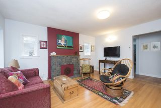 Photo 4: 2228 PARKER Street in Vancouver: Grandview VE House for sale (Vancouver East)  : MLS®# R2151136