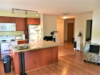 "Photo 6: 309 8717 160 Street in Surrey: Fleetwood Tynehead Condo for sale in ""VERNAZZA"" : MLS®# R2166580"