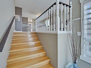 Photo 4: 31 WOODMONT Way SW in Calgary: Woodbine House for sale : MLS®# C4125485