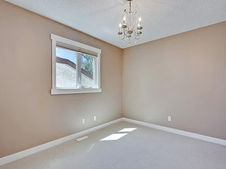 Photo 30: 31 WOODMONT Way SW in Calgary: Woodbine House for sale : MLS®# C4125485