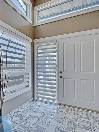 Photo 3: 31 WOODMONT Way SW in Calgary: Woodbine House for sale : MLS®# C4125485